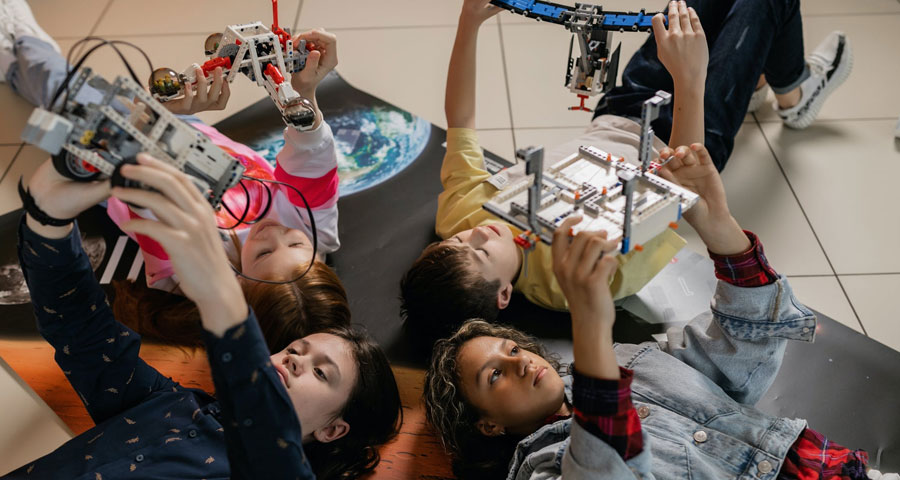 Featured image 4 Reasons You Should Join a Robotics Club - 4 Reasons You Should Join a Robotics Club